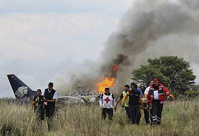 Wreckage of a plane that crashed with 97 passengers and four crew on board on take off at the airport of Durango, Mexico on July 31, 2018.