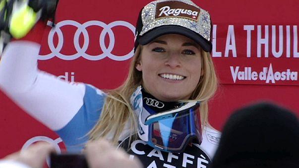 التزلج الألبي: السويسرية لارا غوت تتألق في مسابقة النزول