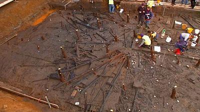 """Sensationeller Fund im """"britischen Pompeji"""": Mehr als 3.000 Jahre altes Holzrad"""