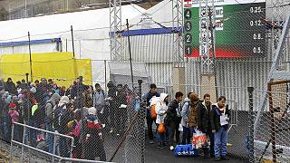 اتریش اجرای محدودیت های جدید برای ورود پناهجویان را آغاز کرد