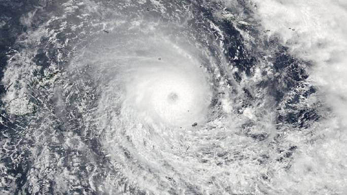 إعصار قوي من الدرجة 5 يضرب جزر فيجي