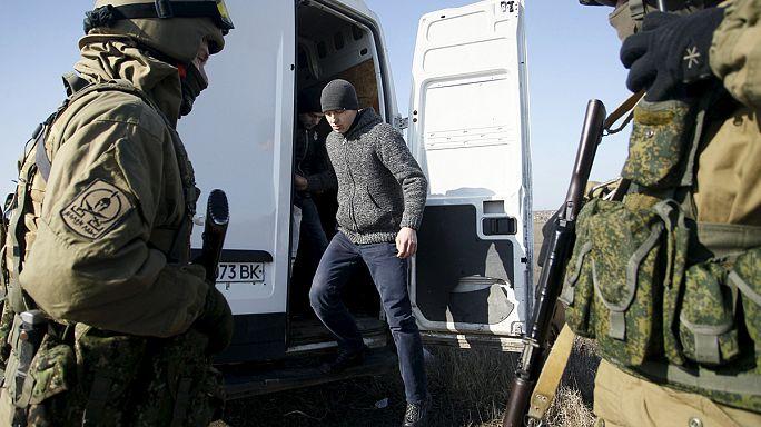 أوكرانيا: تبادل للأسرى بين الجيش النظامي والإنفصاليين