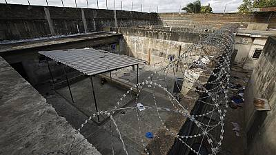 Ivory Coast: 5 injured in jail mutiny