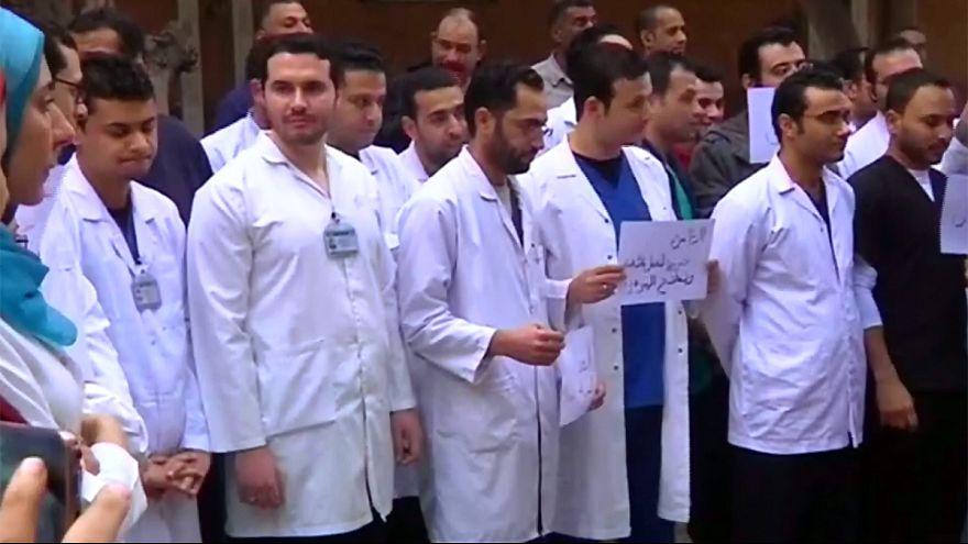 Ärztedemo gegen Polizeigewalt in Kairo