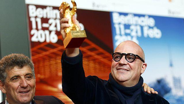 """Mültecileri konu edinen """"Fuocoammare"""" adlı belgesel Altın Ayı ödülüne layık görüldü"""