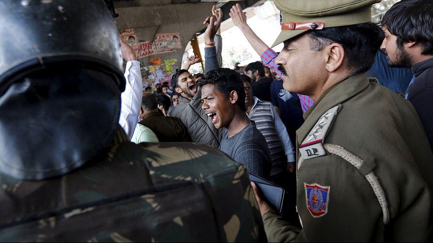10 muertos en violentas protestas contra la discriminación en la India