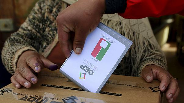 Según los primeros sondeos, Bolivia vota en contra de modificar su Constitución para permitir que Evo Morales pueda ser reelegido