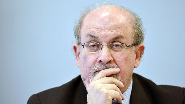 تعیین جایزه ۶۰۰ هزار دلاری برای ترور سلمان رشدی