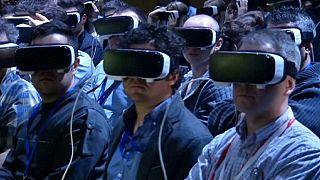 Zuckerberg e realidade virtual animam salão de Barcelona