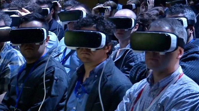 Téléphonie mobile : la réalité virtuelle s'impose à Barcelone