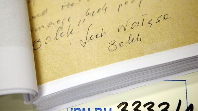 نشر وثائق سرية في بولندا تخص علاقة فاليسا بالاستخبارات الشيوعية