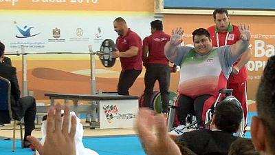 Powerlifting: Rahman breaks world record