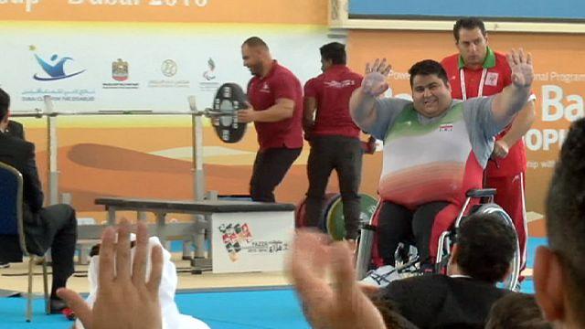 Paralímpicos: Iraniano Siamand Rahman bate novo record de levantamento de peso a caminho do Rio