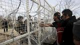 Σε απόγνωση χιλιάδες μετανάστες και πρόσφυγες στα σύνορα Ελλάδας-ΠΓΔΜ