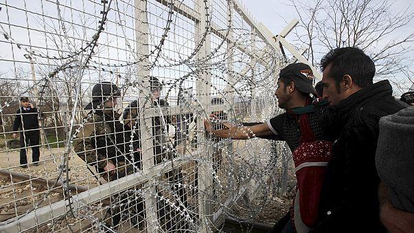Afgan kızın tel örgüleri aşan çığlığı
