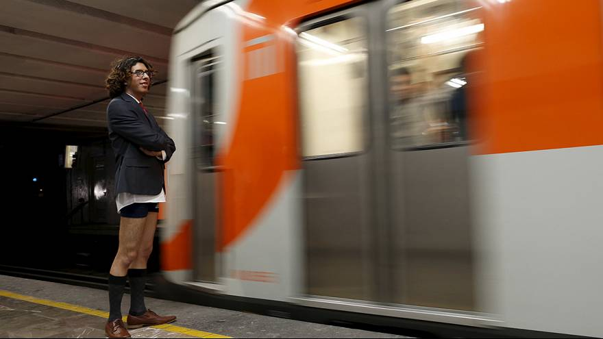 مکزیک؛ متروسواران بدون شلوار