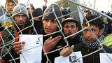 Skopje chiude le frontiere agli afghani, diecimila persone bloccate in Grecia