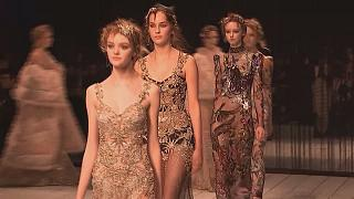 Fashion Week de Londres : la griffe Alexander McQueen revient en force