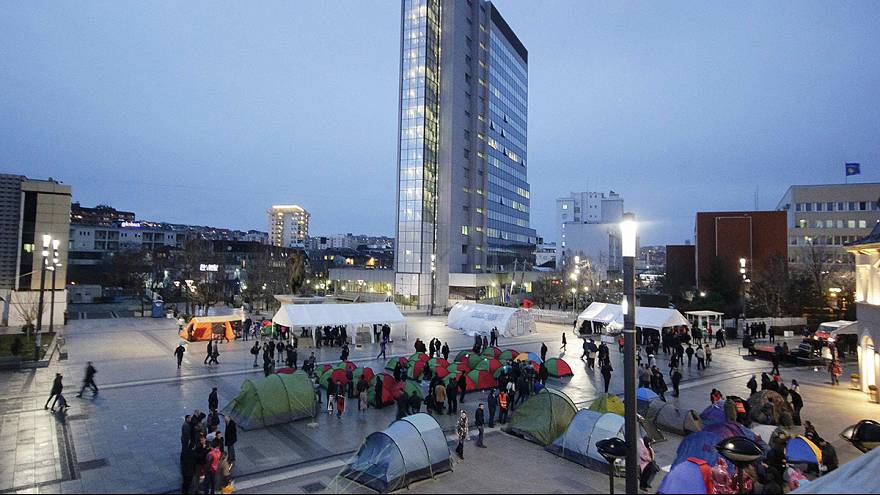 Protest tents go up in Pristina's main square