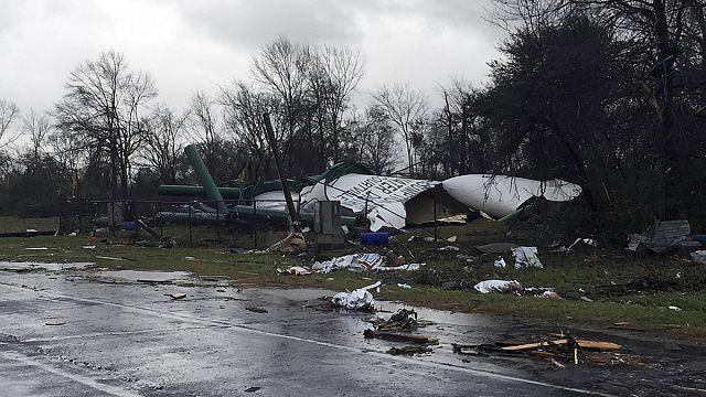أعاصير تخلف ثلاثة قتلى في ميسيسبي ولويزيانا