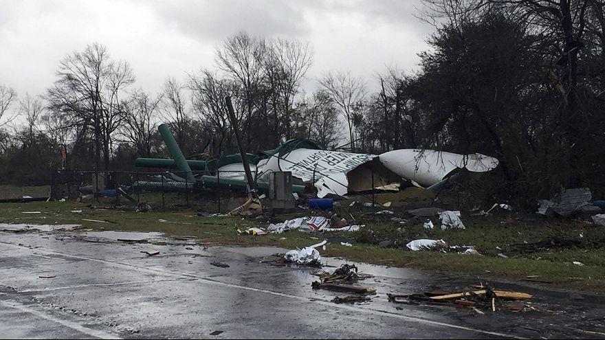 Louisiana ve Mississippi'de kasırga alarmı