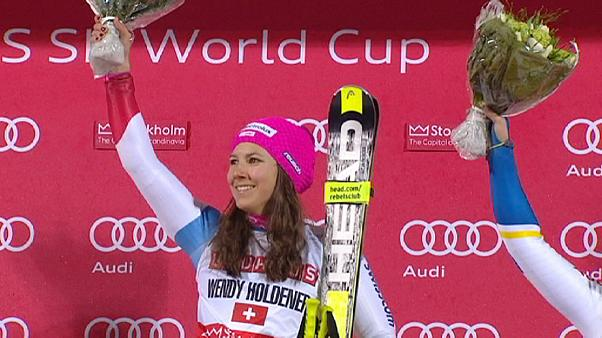 Holdener and Hirscher triumph in city parallel slalom race