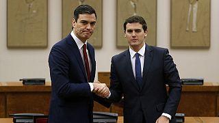 Deux mois après les législatives en Espagne, le socialiste Sanchez obtient le soutien du centre-droit