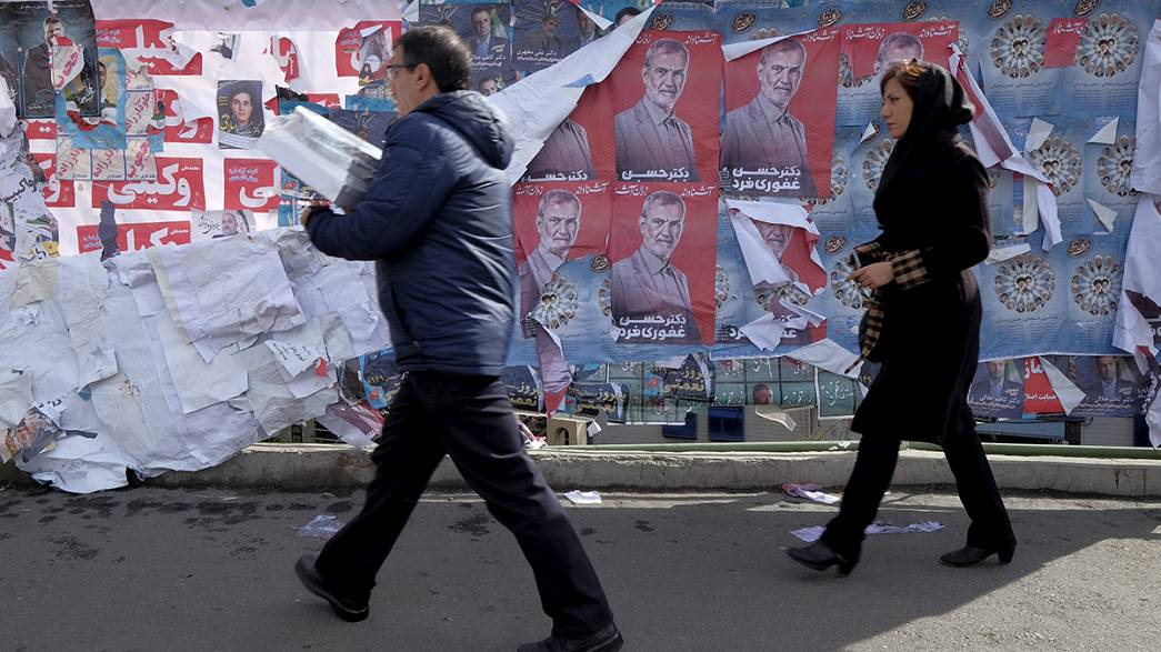 Irão: Contagem decrescente para as legislativas