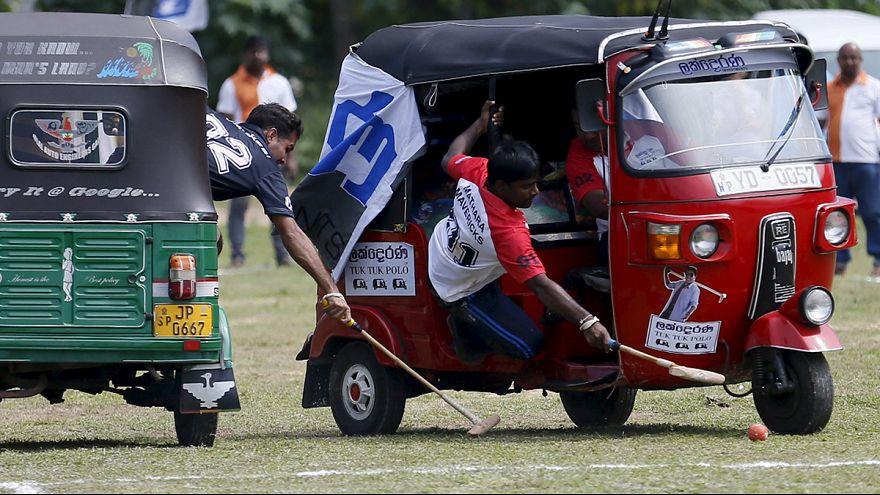Sri Lanka: jugar al polo en tuk-tuk