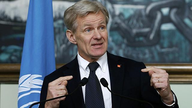 UN airdrop in Syria goes 'off target'