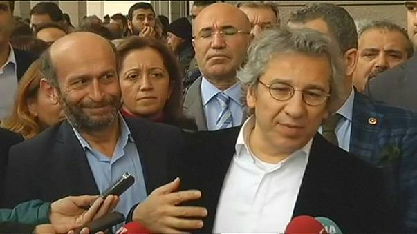 Libertad para los periodistas turcos acusados de espionaje