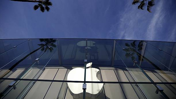 Apple bites back and asks US court to overturn FBI access ruling