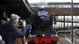 """قطار """"فلاينغ سكوتمان"""" البخاري يغادر لندن من جديد"""