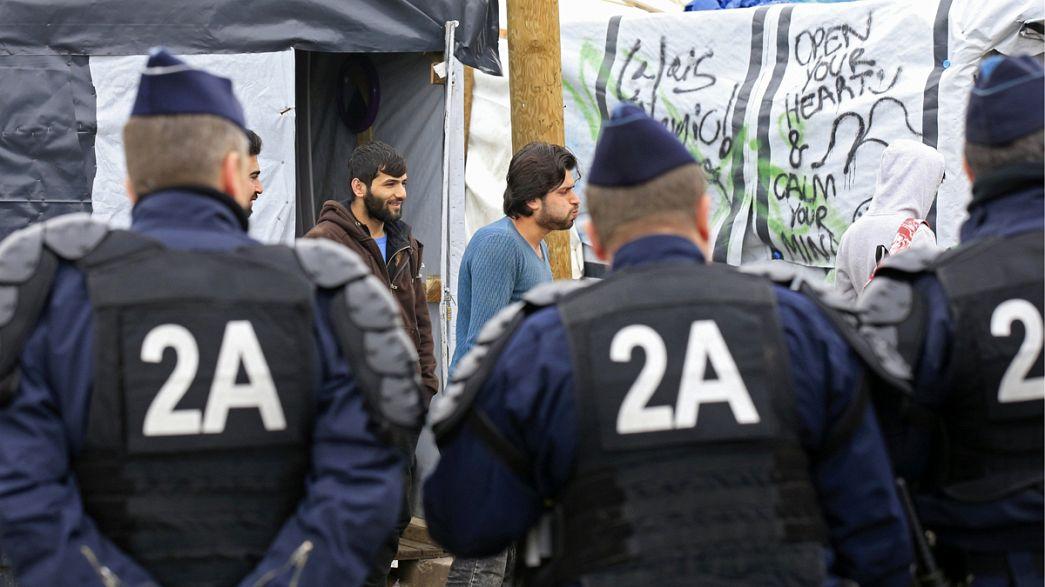 "Dialog statt Gewalt: Migranten in Calais werden gebeten ""Dschungel"" zu verlassen"