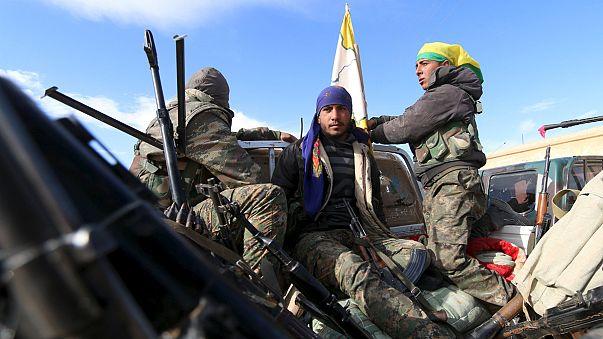قصف جوي ومدفعي مكثف في سوريا قبل دخول وقف النار حيز التنفيذ