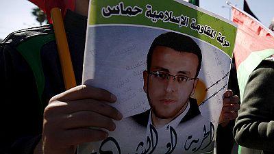 Un periodista palestino abandona la huelga de hambre que casi acaba con su vida