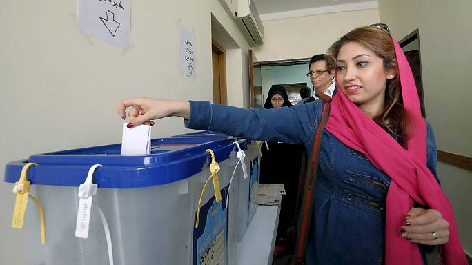 إيران تجري أول انتخابات منذ الاتفاق النووي