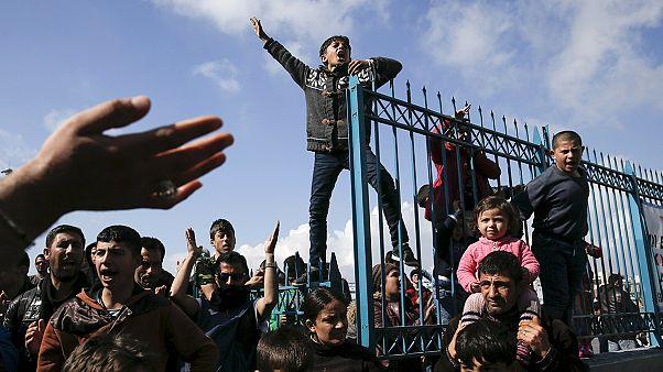 بسته شدن مرزها در کشورهای بالکان و سرگردانی هزاران پناهجو در یونان
