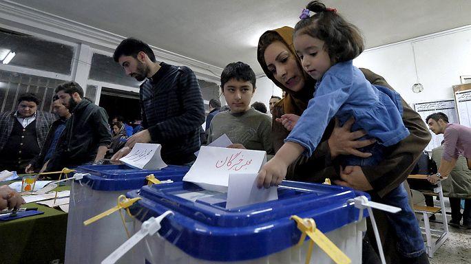 إيران: انتهاء انتخابات مجلسي الشورى والخبراء بعد تمديدها بساعات