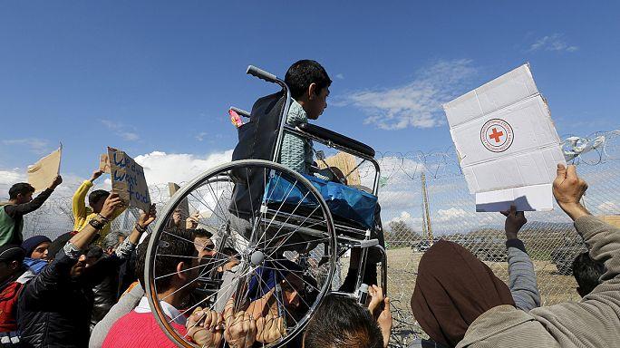 Des milliers de réfugiés bloqués à la frontière gréco-macédonienne