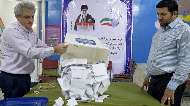 На выборах в Иране проголосовали 60% избирателей