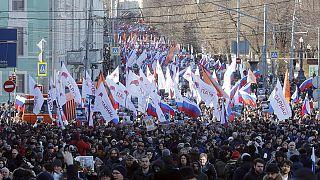 """In migliaia a Mosca nel nome di Nemtsov: """"Vogliamo giustizia"""""""