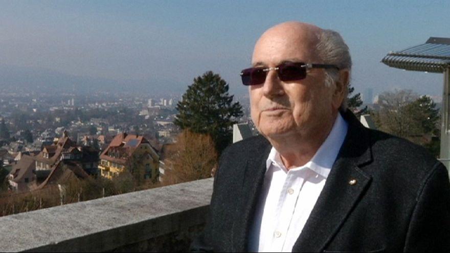 """Blatter: """"Só posso dizer Gianni, boa sorte e segue em frente"""""""