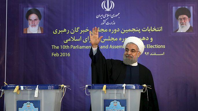 A mérsékelt jelöltek vezetnek az iráni választásokon