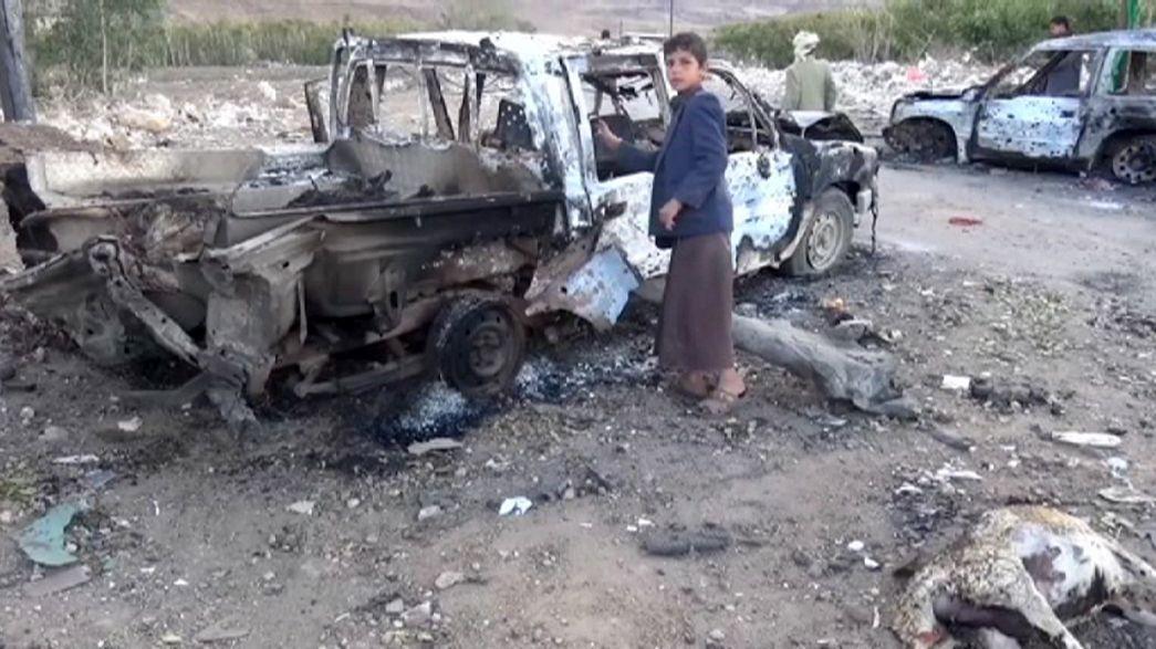 Yemen'de pazar yerine hava bombardımanı