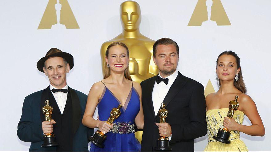 """Oscar per """"Il caso Spotlight"""", Iñárritu, Di Caprio e Brie Larson"""
