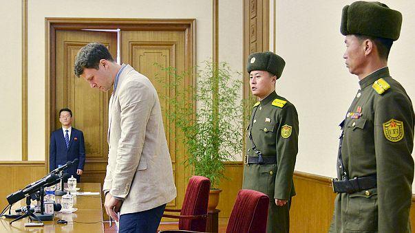 El joven de EEUU detenido en Corea del Norte por robar un póster político confiesa publicamente