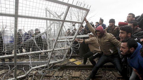 FYROM police fire tear gas at migrants amid Greek border tension