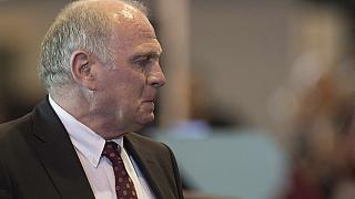 Former Bayern boss Hoeness given early release from jail