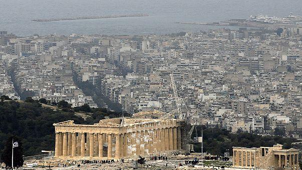 نمو خجول للاقتصاد اليوناني